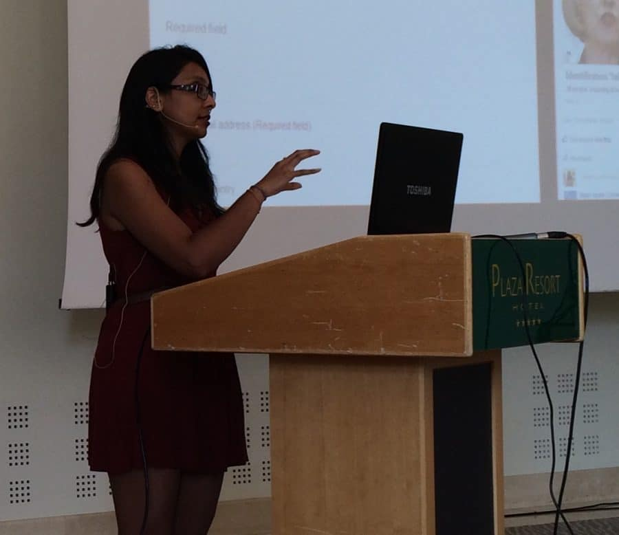 Dhruti Shah at a conference (photo by Jochen Spangenberg)
